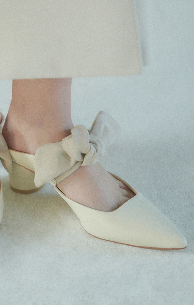 Knotted detail Mules