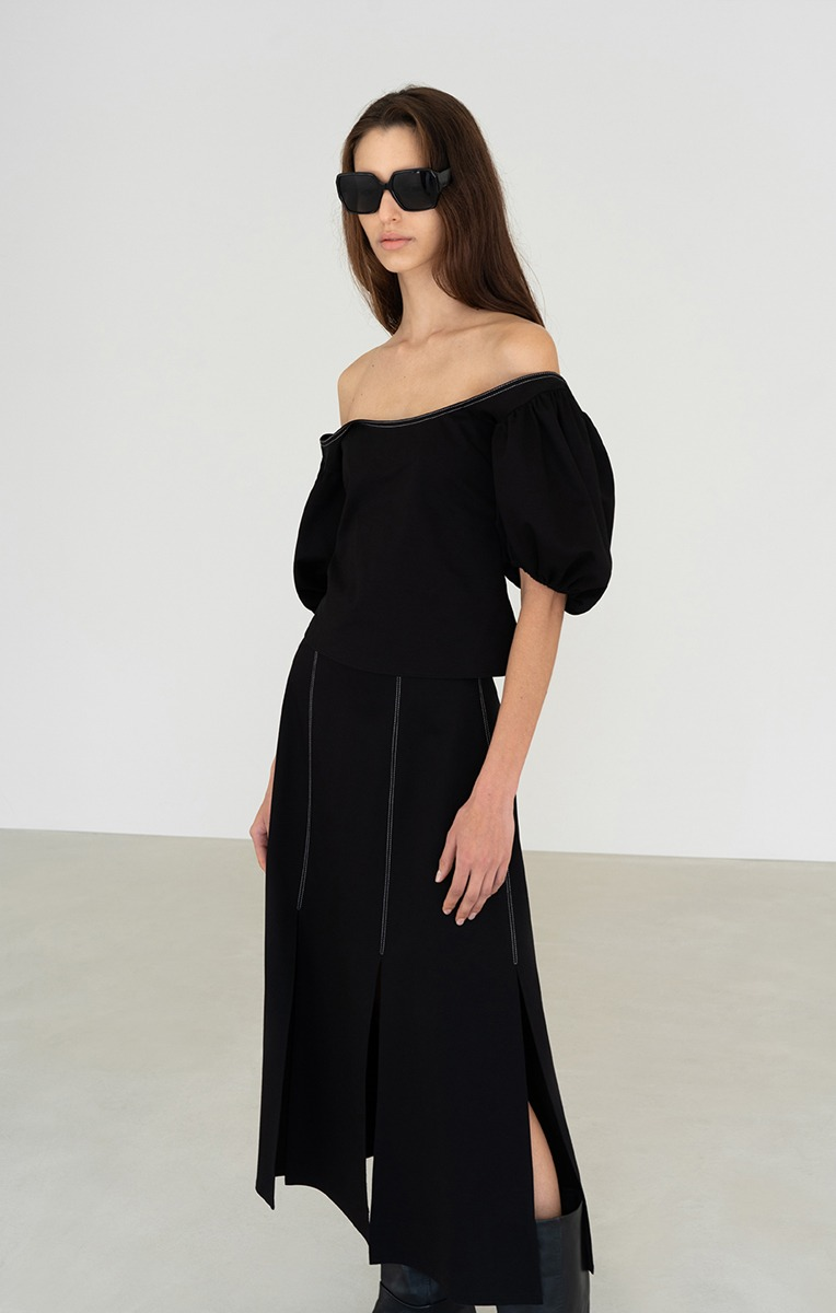 CHRIS TOPSTITCHED PUFF SLEEVE TOP (BLACK)